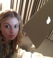 _imrosemciver_Live_tweeting_from_bed_like_a_boss__iZombieSeasonFinale_lets_do_this__13-04-16.jpg